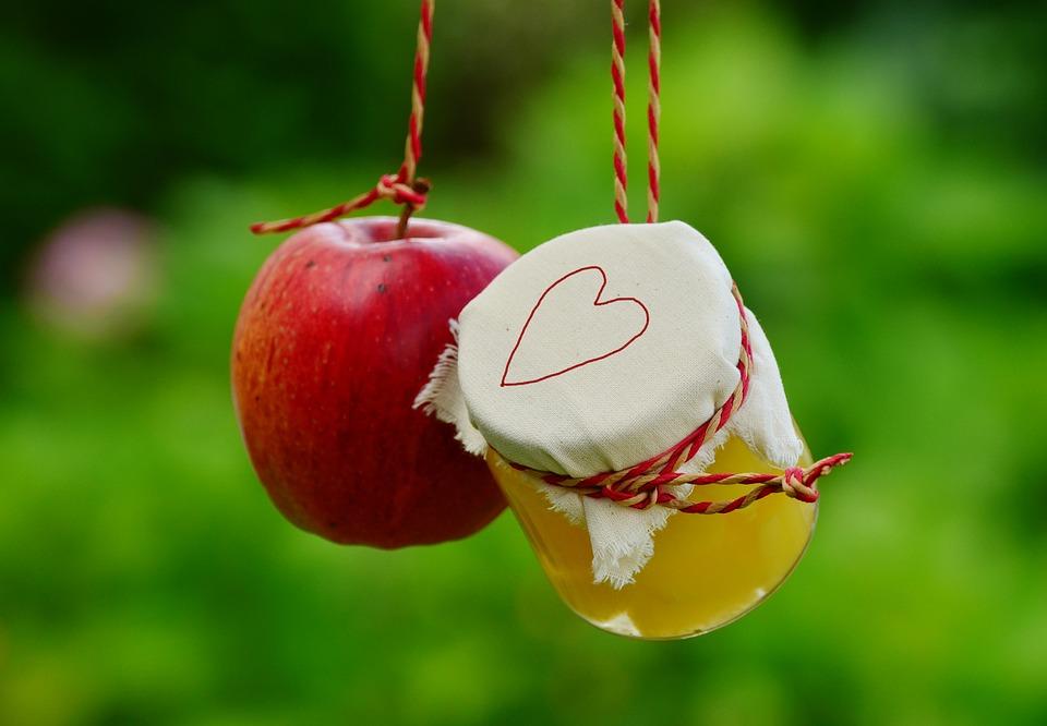 Recepty na zavařování – jahodový a meruňkový kompot